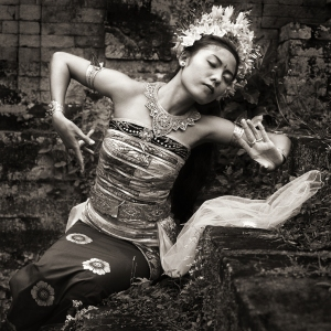 Gluckstein took this photo of a dancer in Bali in 1988.