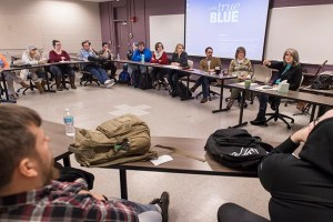 "Grammy-winning country music artist Kathy Mattea, top right, lectures in MTSU professor Kris McCusker's ""American Music in the Modern Age"" class. MTSU photo by Andy Heidt."